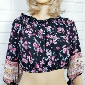 Xhilaration Black Pink Cropped Floral Top Small